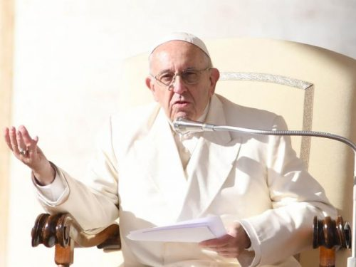 Il Papa e la comunicazione. Bisogna liberarsi dalla colonizzazione ideologica dei cervelli, dei cuori, delle anime e delle menti