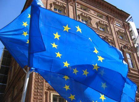 La bandiera europea e le dodici stelle di Santa Caterina Labourè